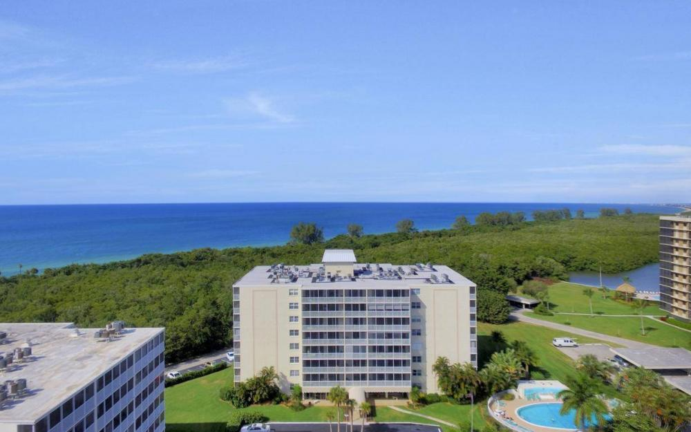 5 Bluebill Ave #206, Naples - Condo For Sale 2030526372