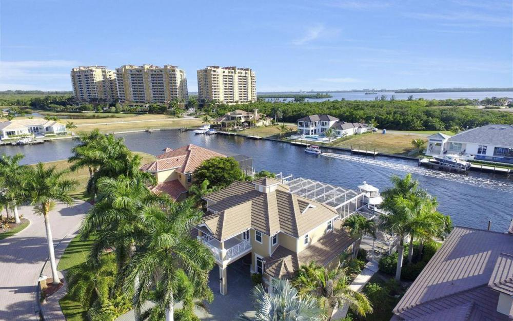 1510 Hermitage Ln, Cape Coral - Home For Sale 1101857505