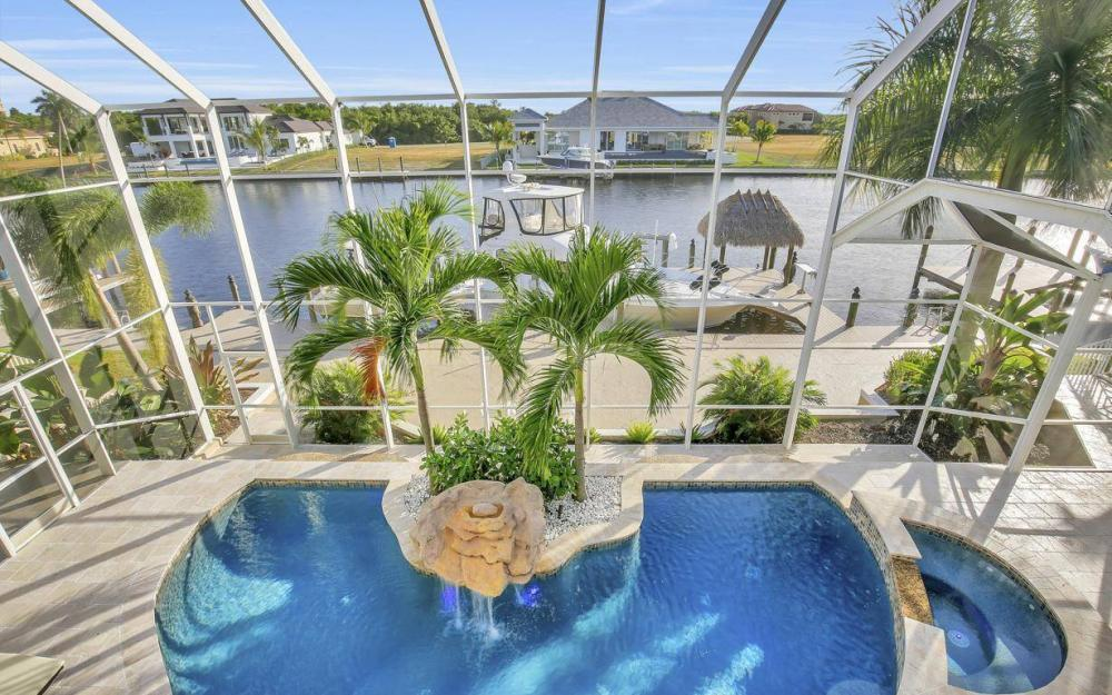 1510 Hermitage Ln, Cape Coral - Home For Sale 264882550