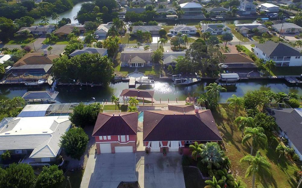 406 Madison Ct, Fort Myers Beach - Home For Sale 294564643