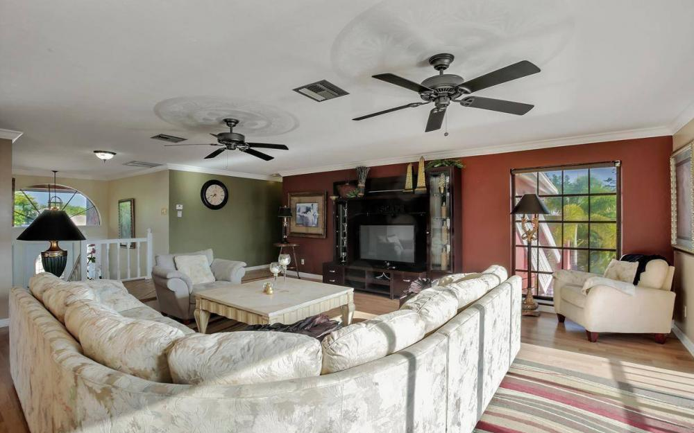 406 Madison Ct, Fort Myers Beach - Home For Sale 879693164
