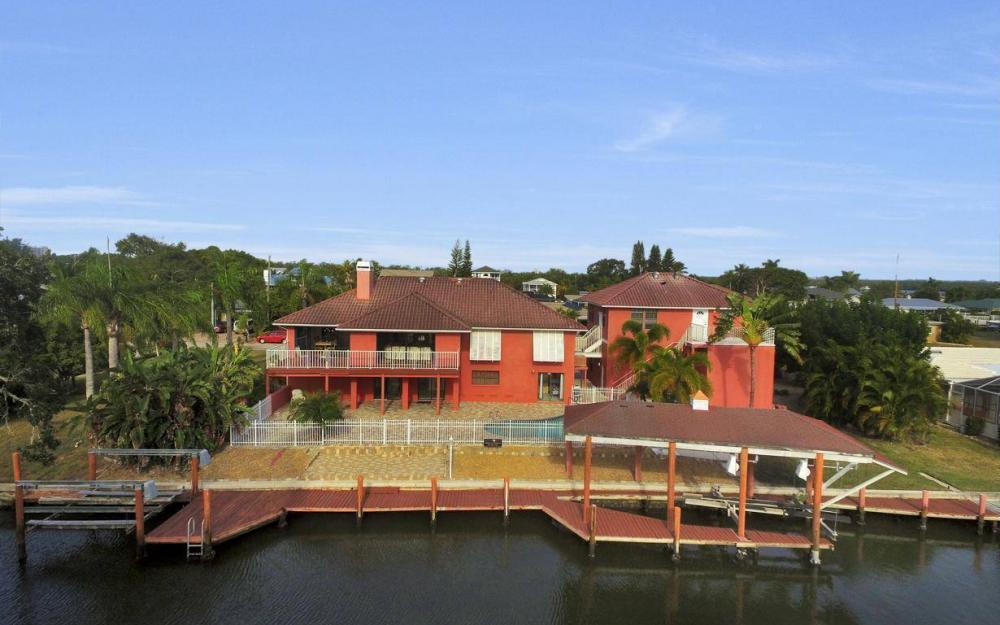406 Madison Ct, Fort Myers Beach - Home For Sale 1373398733