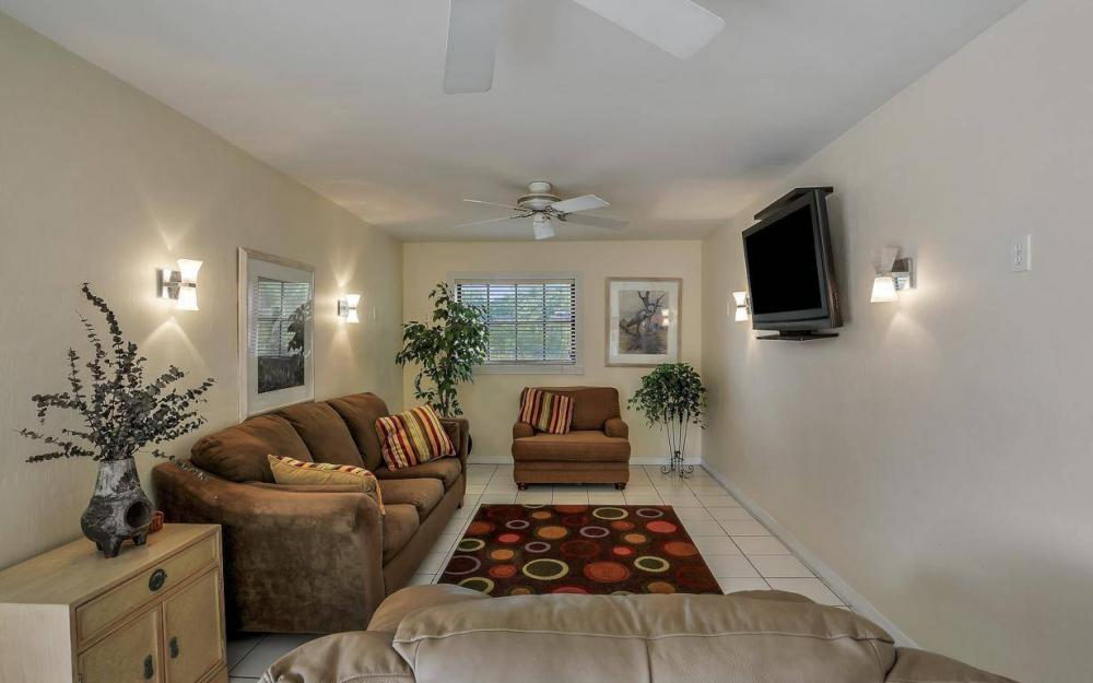 406 Madison Ct, Fort Myers Beach - Home For Sale 1050712374