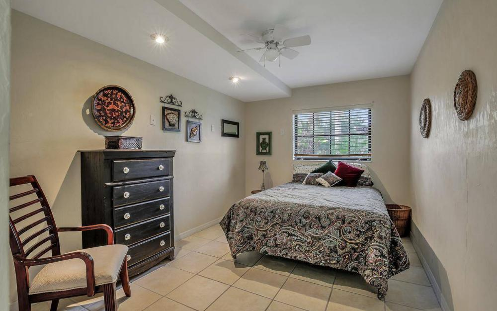 406 Madison Ct, Fort Myers Beach - Home For Sale 807337554