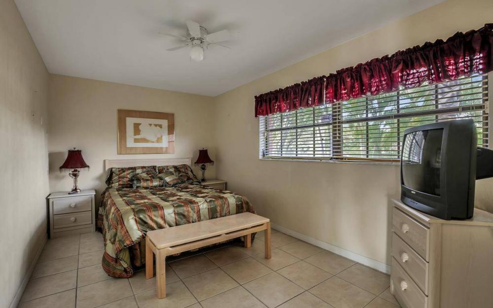 406 Madison Ct, Fort Myers Beach - Home For Sale 1732988998