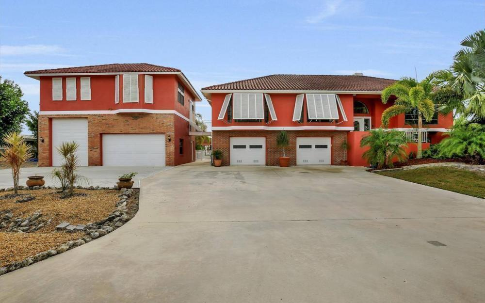 406 Madison Ct, Fort Myers Beach - Home For Sale 754942598