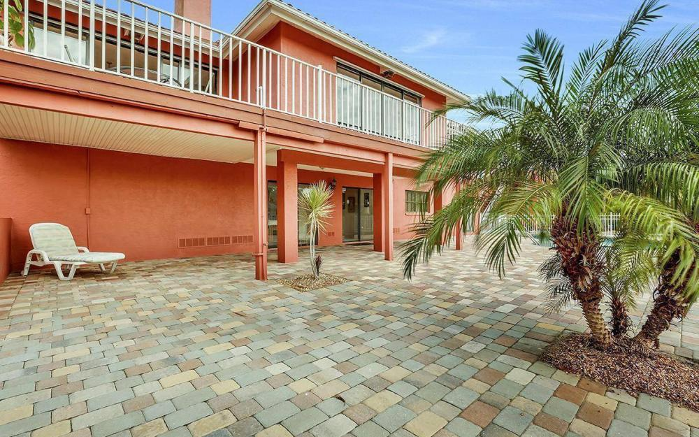 406 Madison Ct, Fort Myers Beach - Home For Sale 191966664