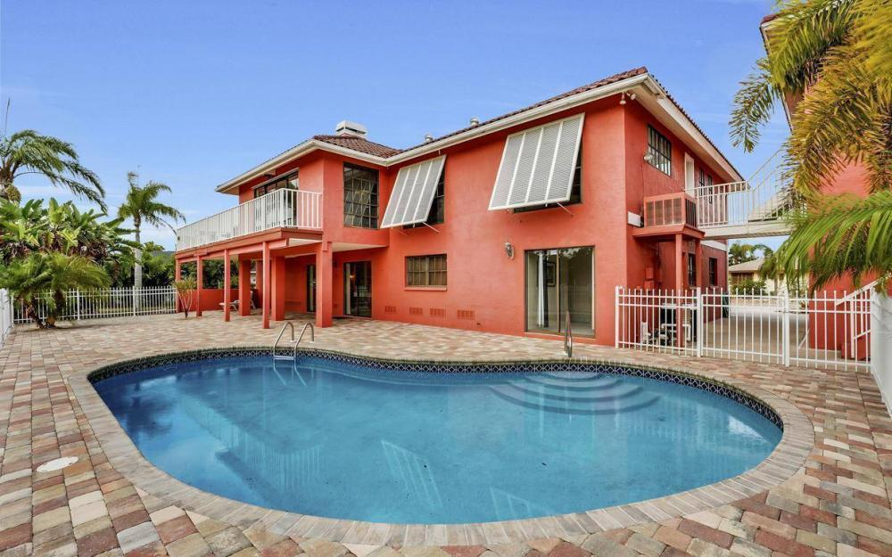 406 Madison Ct, Fort Myers Beach - Home For Sale 341484266