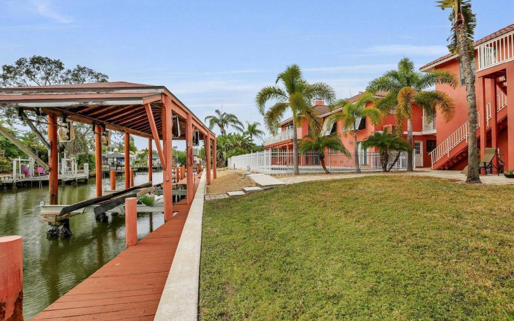 406 Madison Ct, Fort Myers Beach - Home For Sale 1203899162