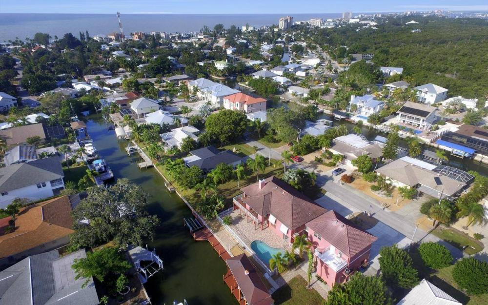 406 Madison Ct, Fort Myers Beach - Home For Sale 835553465