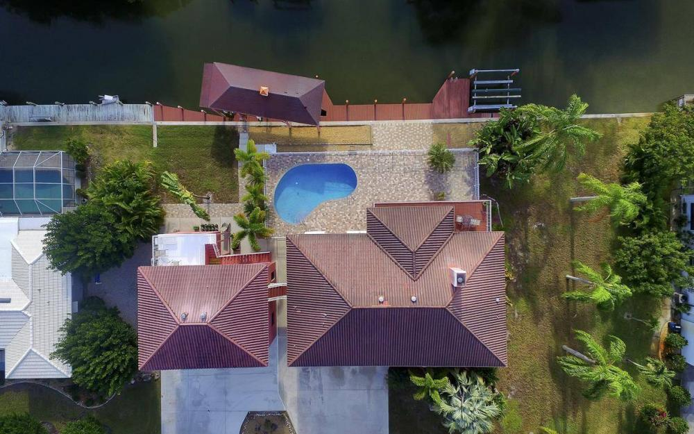 406 Madison Ct, Fort Myers Beach - Home For Sale 1315345444