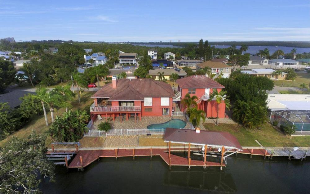 406 Madison Ct, Fort Myers Beach - Home For Sale 1555366939