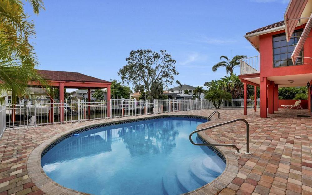 406 Madison Ct, Fort Myers Beach - Home For Sale 1615194541