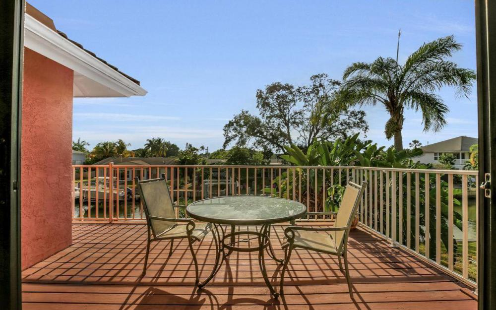 406 Madison Ct, Fort Myers Beach - Home For Sale 1225259481