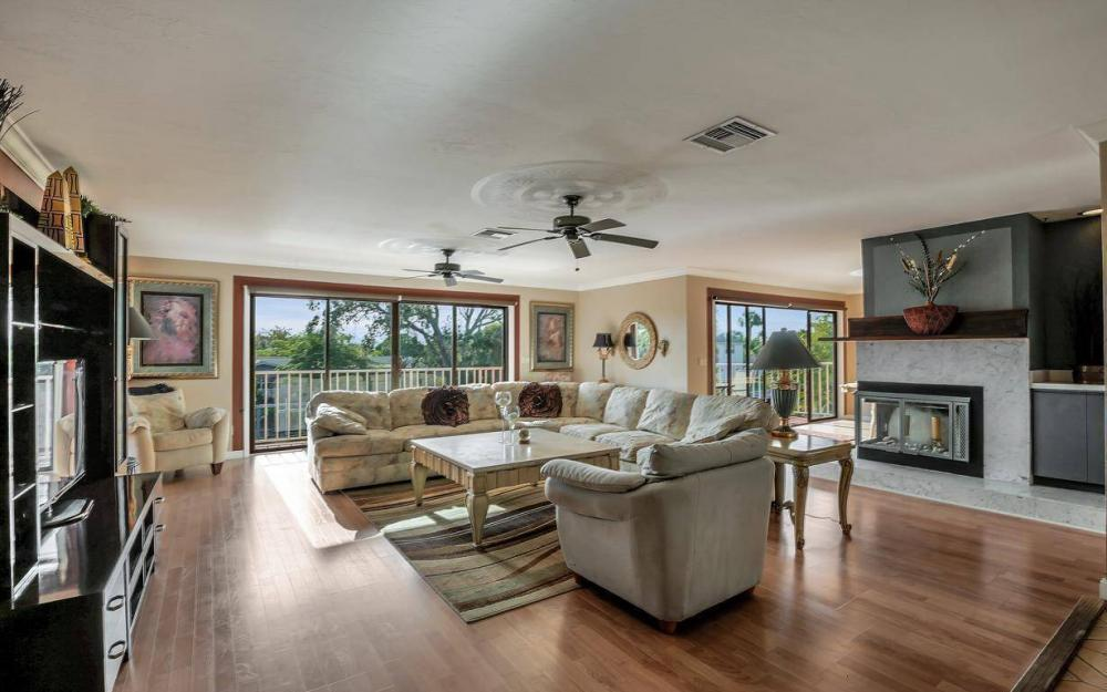 406 Madison Ct, Fort Myers Beach - Home For Sale 946450580