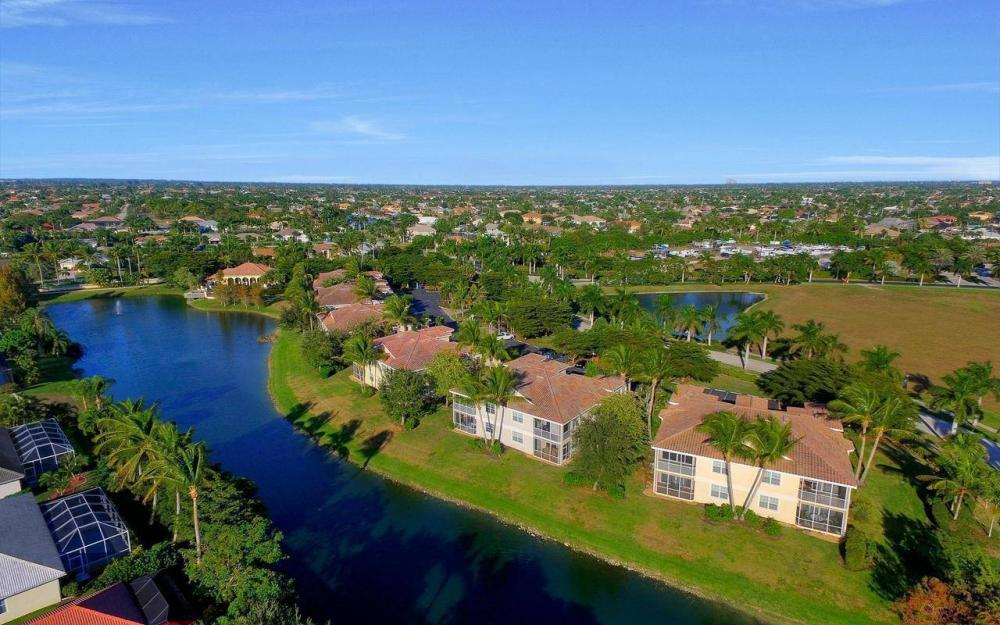 5618 Cape Harbour Dr #202, Cape Coral - Home For Sale 217055915
