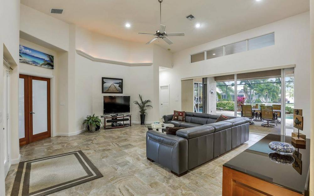 4925 SW 9th Pl, Cape Coral - Home For Sale 556035991