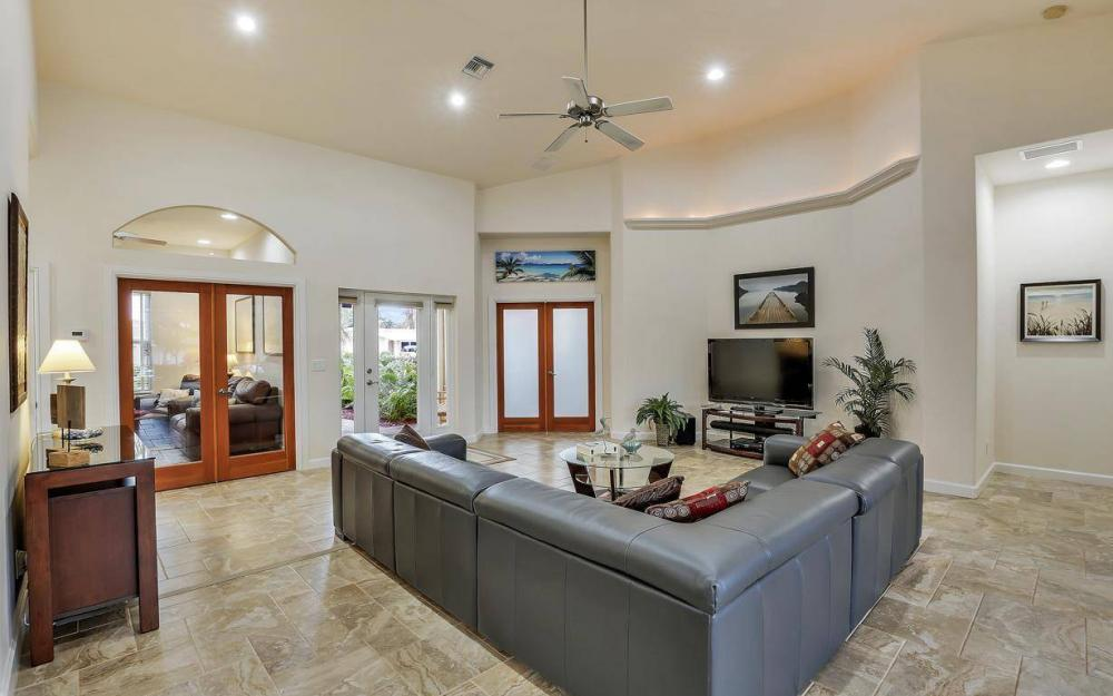 4925 SW 9th Pl, Cape Coral - Home For Sale 709233821
