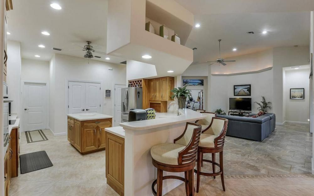 4925 SW 9th Pl, Cape Coral - Home For Sale 2100495372
