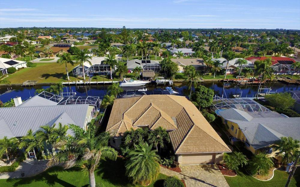 4925 SW 9th Pl, Cape Coral - Home For Sale 994302017