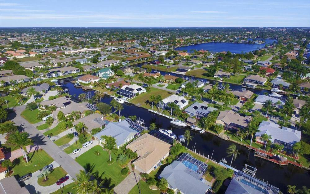 4925 SW 9th Pl, Cape Coral - Home For Sale 673989949