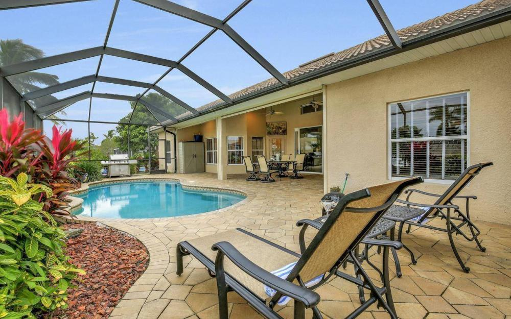 4925 SW 9th Pl, Cape Coral - Home For Sale 322013005