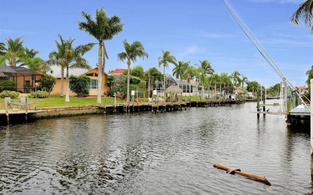 4925 SW 9th Pl, Cape Coral - Home For Sale 739285307