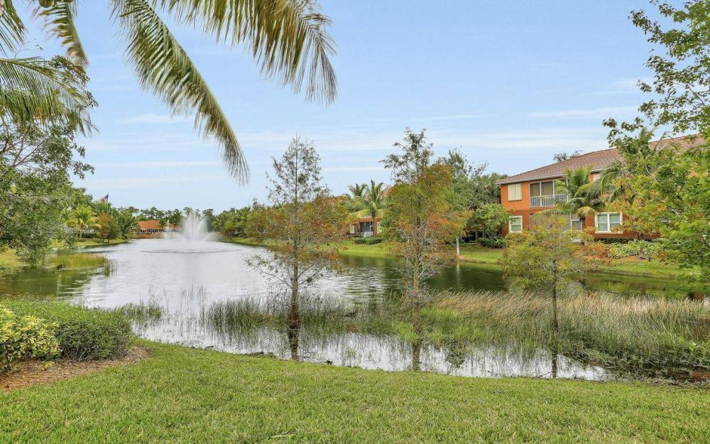 14961 Reflection Key Cir #422, Fort Myers - Condo For Sale 231042694