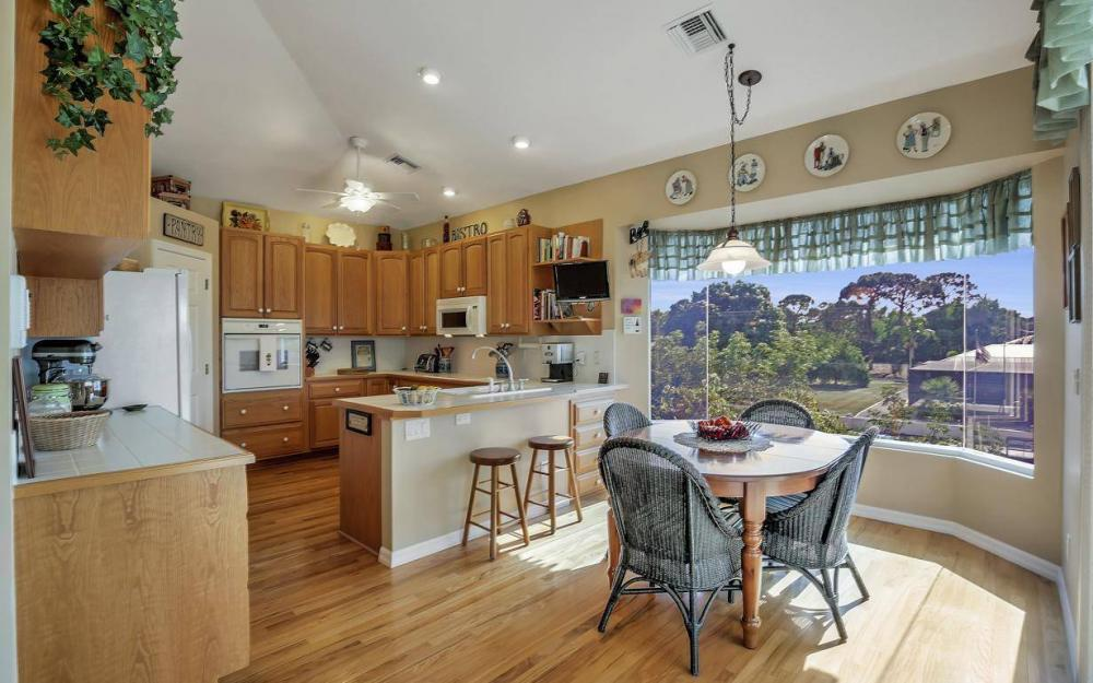 3687 Manatee Dr, St James City - Home For Sale 802428893