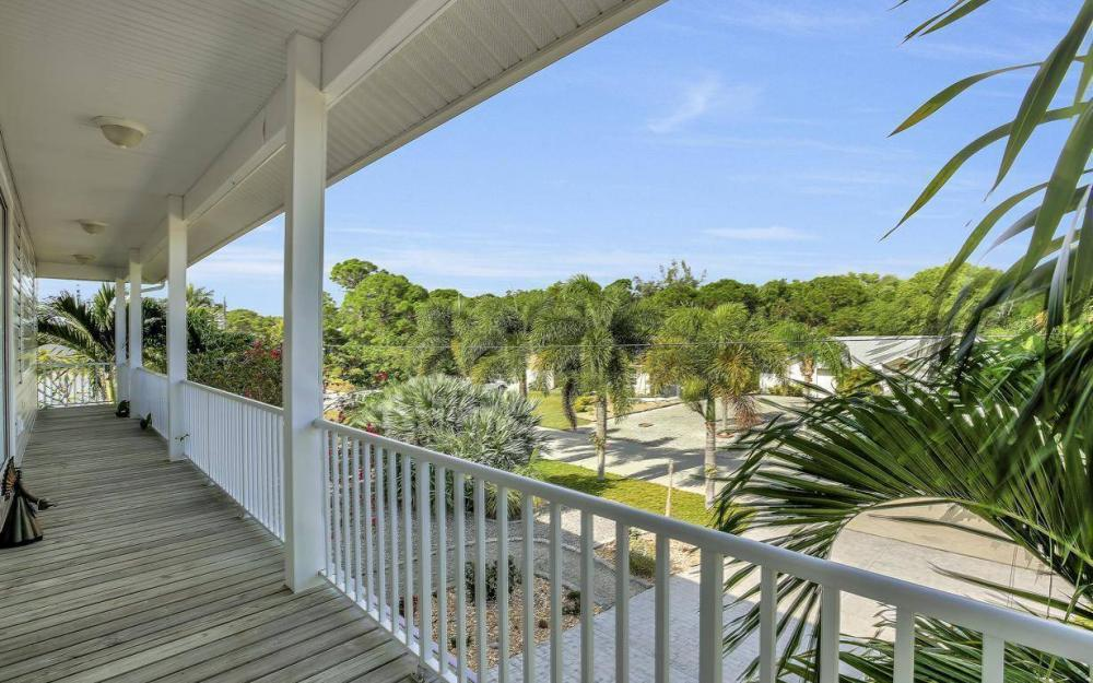 3687 Manatee Dr, St James City - Home For Sale 49574029