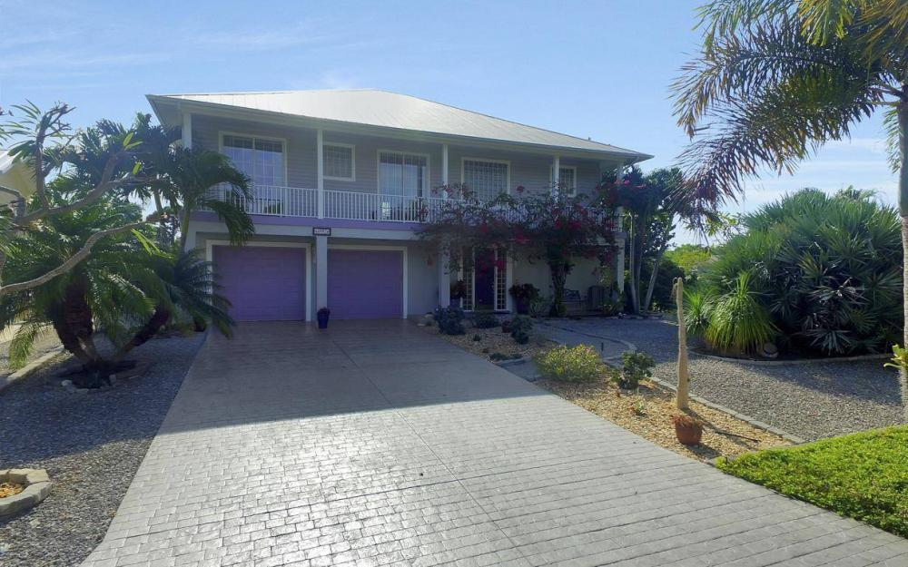 3687 Manatee Dr, St James City - Home For Sale 237013406