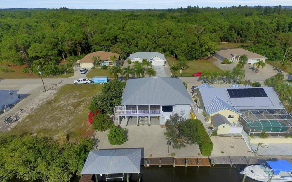 3687 Manatee Dr, St James City - Home For Sale 1830541142
