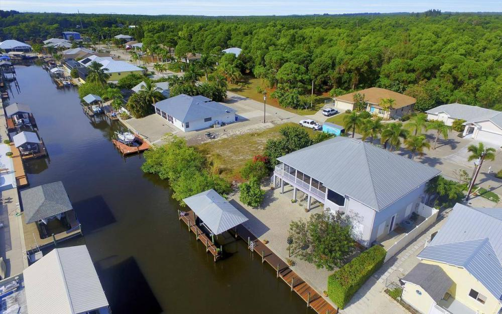 3687 Manatee Dr, St James City - Home For Sale 448741160