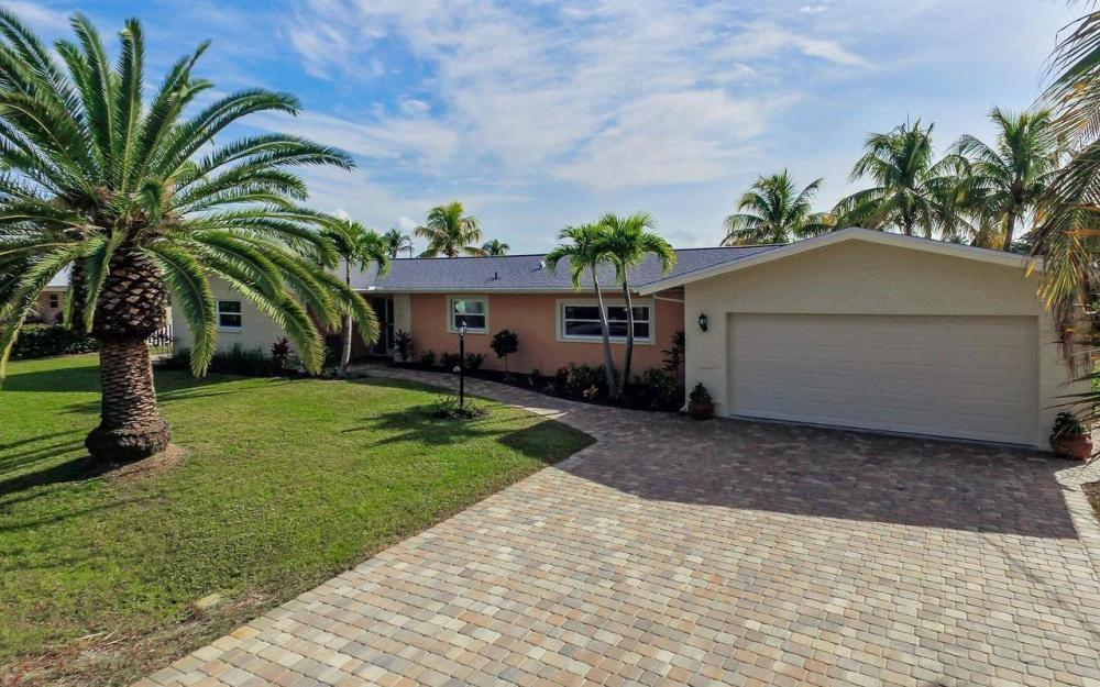 420 Madison Ct, Fort Myers Beach - Home For Sale 1563931092