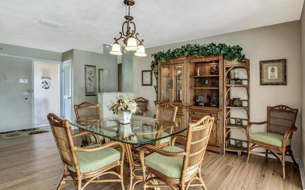420 Madison Ct, Fort Myers Beach - Home For Sale 794994999