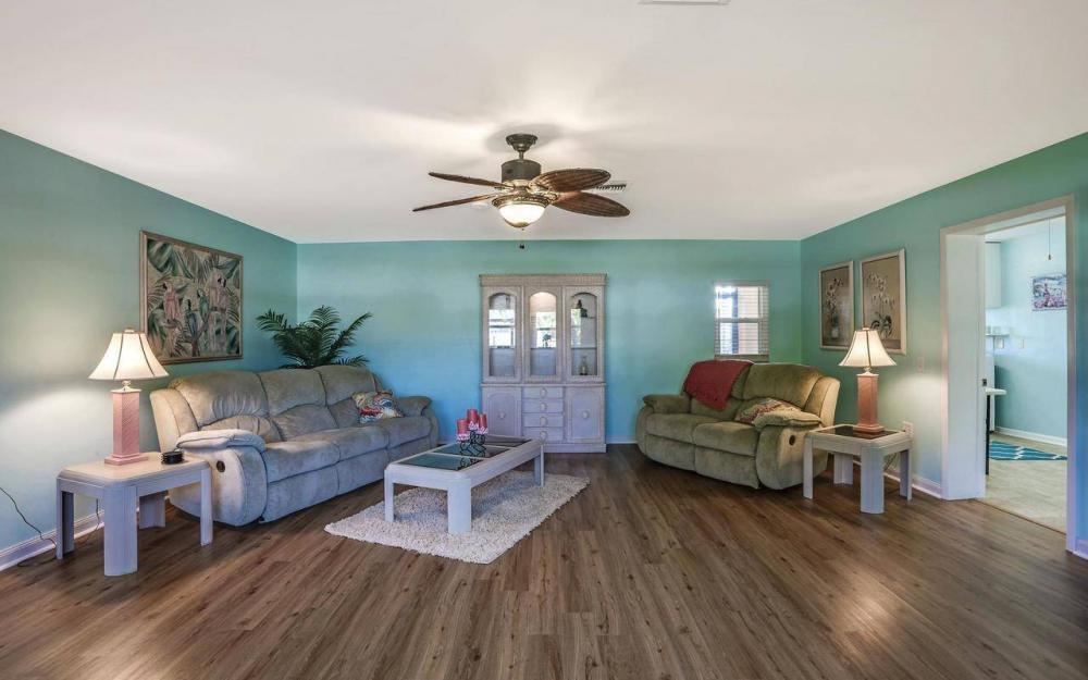 420 Madison Ct, Fort Myers Beach - Home For Sale 1026100162