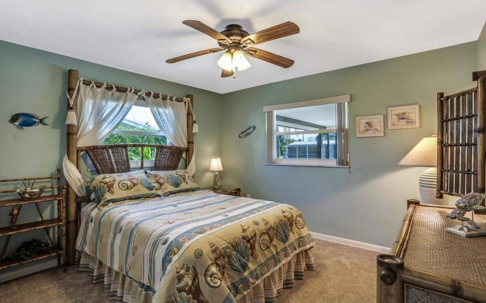 420 Madison Ct, Fort Myers Beach - Home For Sale 468052431