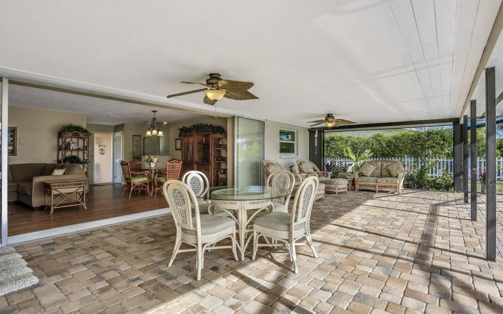 420 Madison Ct, Fort Myers Beach - Home For Sale 1879954382