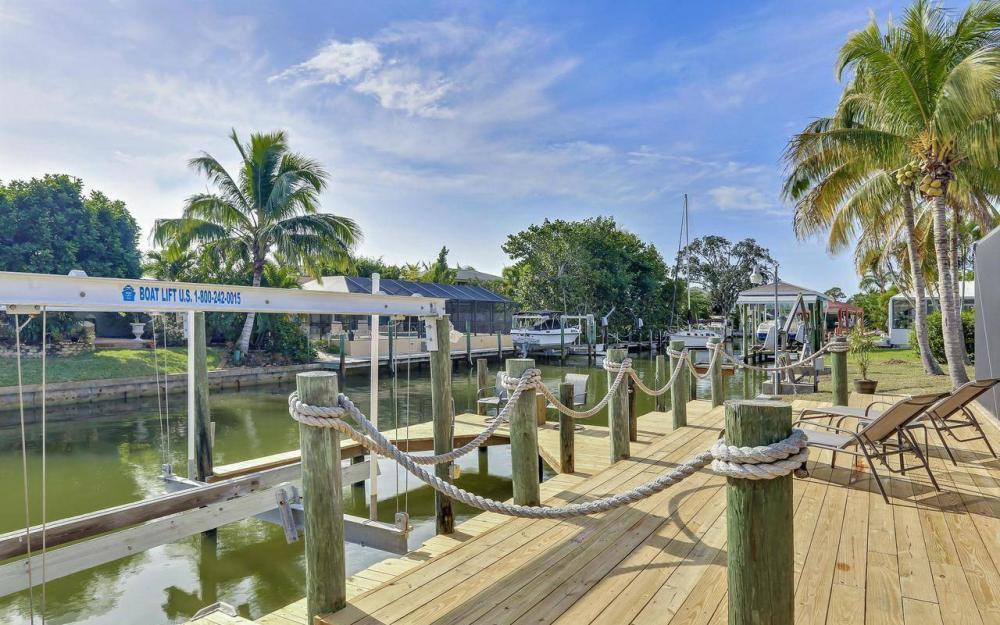 420 Madison Ct, Fort Myers Beach - Home For Sale 1198934352