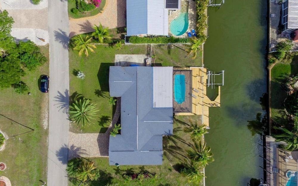 420 Madison Ct, Fort Myers Beach - Home For Sale 203143184