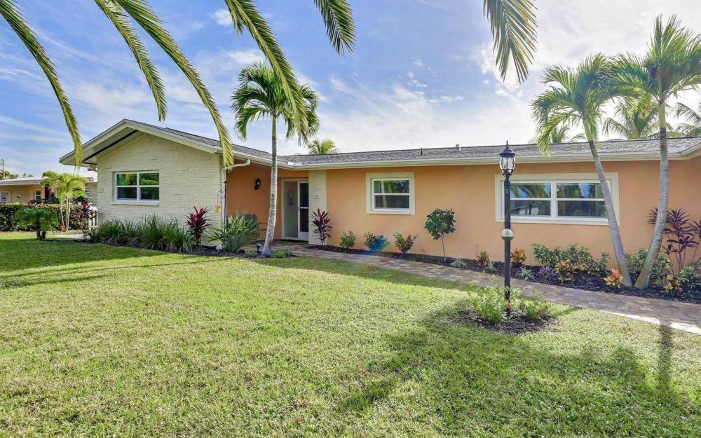 420 Madison Ct, Fort Myers Beach - Home For Sale 1017977948