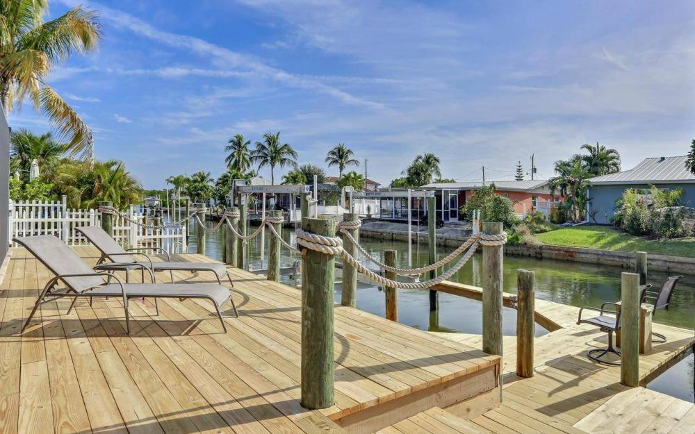420 Madison Ct, Fort Myers Beach - Home For Sale 1650239859
