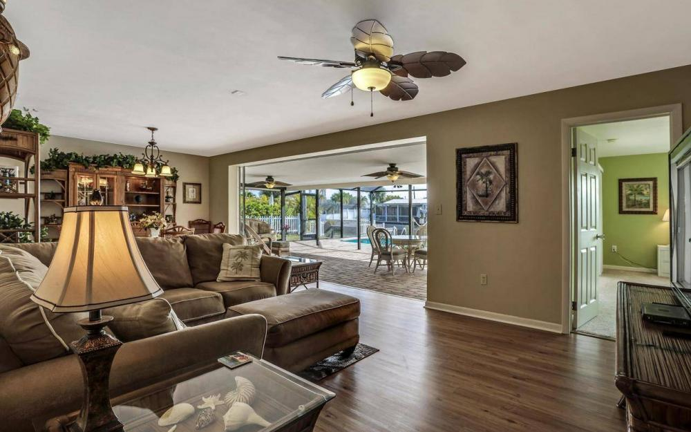 420 Madison Ct, Fort Myers Beach - Home For Sale 1213778496