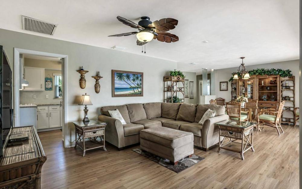 420 Madison Ct, Fort Myers Beach - Home For Sale 349896905