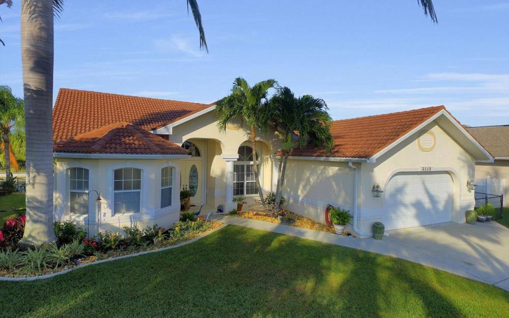 2115 SW 41st St, Cape Coral - Home For Sale 1469735138