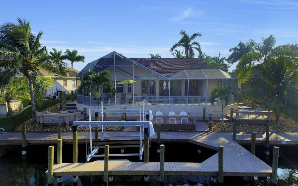 2115 SW 41st St, Cape Coral - Home For Sale 230326199