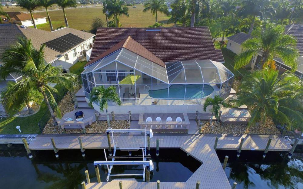 2115 SW 41st St, Cape Coral - Home For Sale 115633984