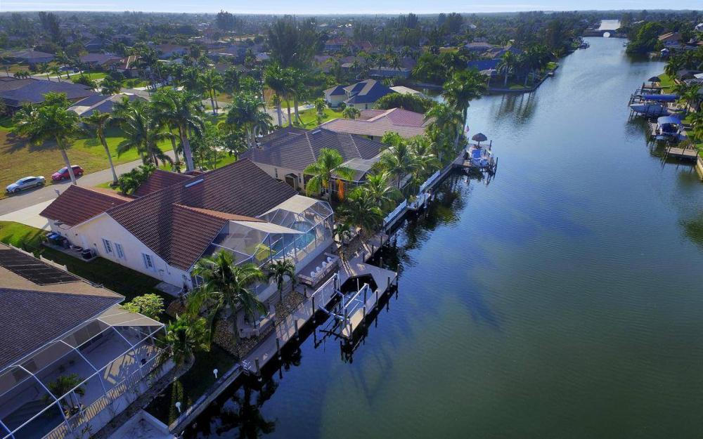2115 SW 41st St, Cape Coral - Home For Sale 899905979