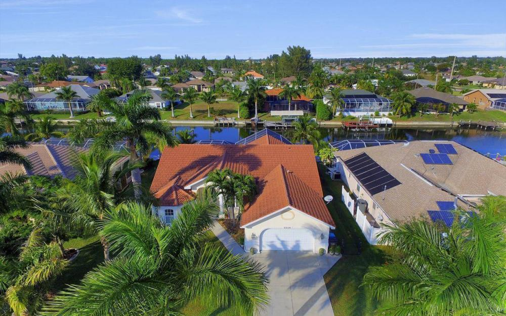 2115 SW 41st St, Cape Coral - Home For Sale 883626004