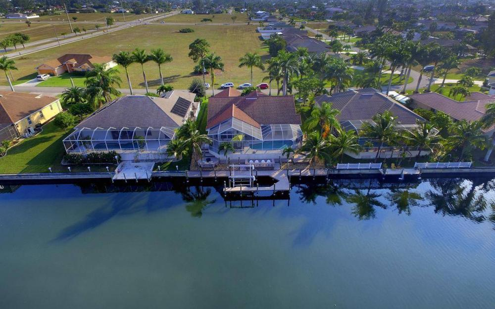 2115 SW 41st St, Cape Coral - Home For Sale 357313300